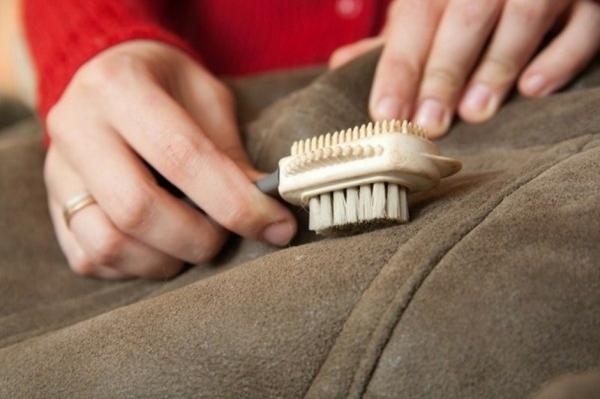 Как стирать дубленку в домашних условиях и можно ли это делать
